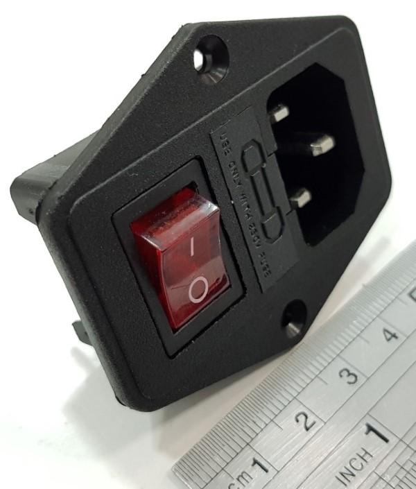 Interruptor e ficha c/fusível IEC 320 C14